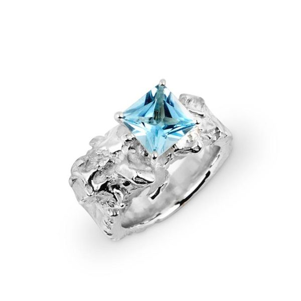 ZYDRUNE Celestial 'Alnitak' sky-blue Topaz ring.