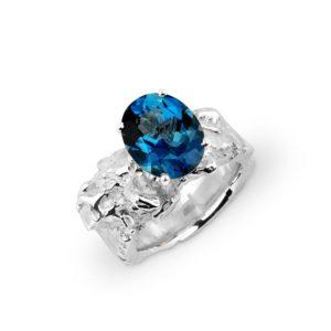 ZYDRUNE Celestial 'Vega' London blue Topaz ring.