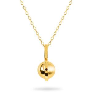 January Birthstone pendant with Garnet by ZYDRUNE.